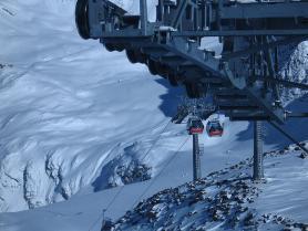 Lanovka na ledovec Pitztal