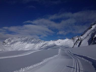 Běžkařská stopa v rakouském Pitztalu